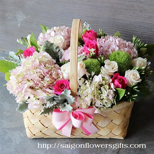 basket for mothers day in Hochiminh