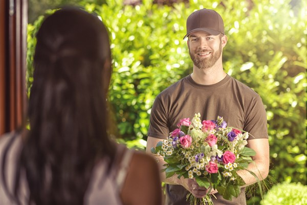 7 Tips for Guys on Sending flowers from Saigon Flowers Gifts
