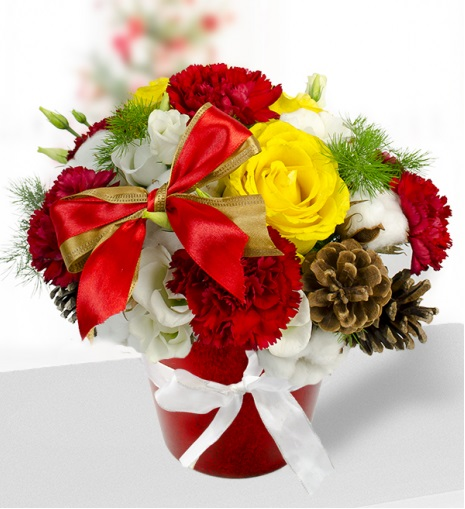 Christmas floral arrangement at Saigon Flowers Gifts