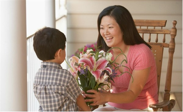 Mothers day flower delivery to Saigon